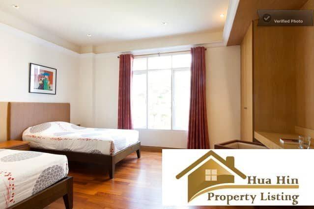 Fully furnished 2 bed 2 bath condo near beach