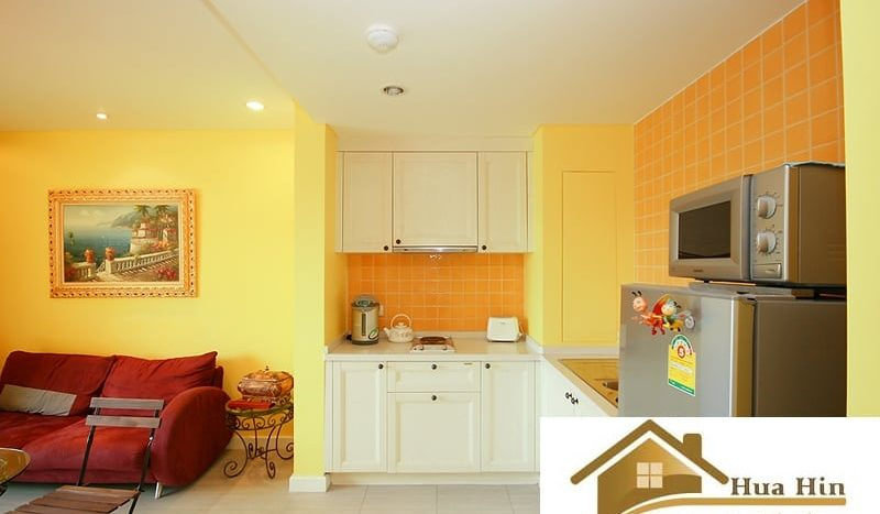 Fully Furnished 1 Bed Condo For Sale