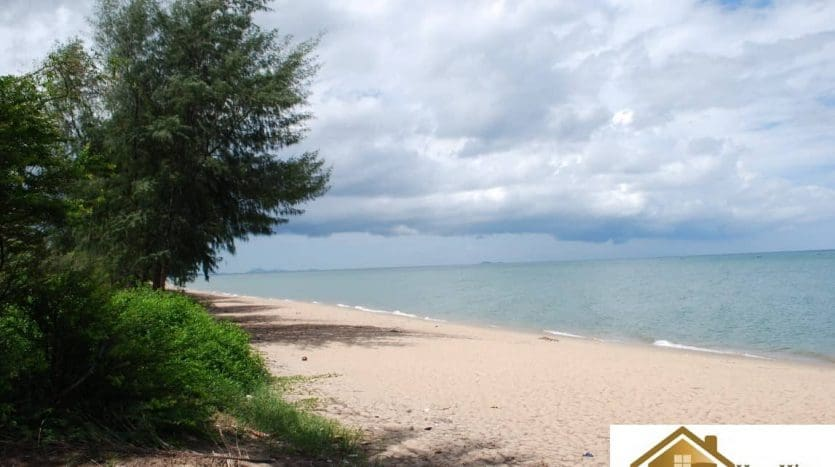 Beach Land for sale Huay Yang – Thap Sakae with 300M Frontage