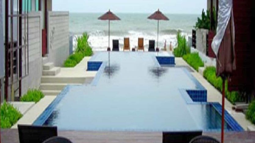 Conveniently Located 2 Bed 2 Bath Hua Hin Sea View Unit