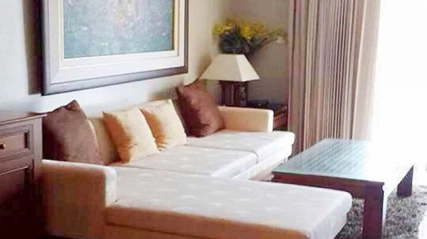 Conveniently Located 2 Bed 2 Bath Hua Hin Sea View Unit