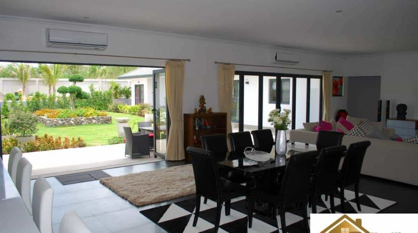 Stunning Hua Hin Villa For Sale On A Large Plot