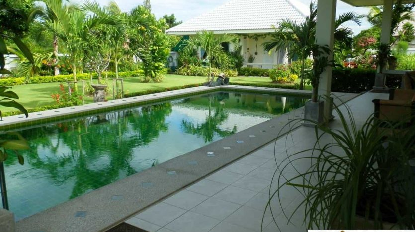 Beautiful 4 Bed Hua Hin Pool Villa Priced to Sell Quick