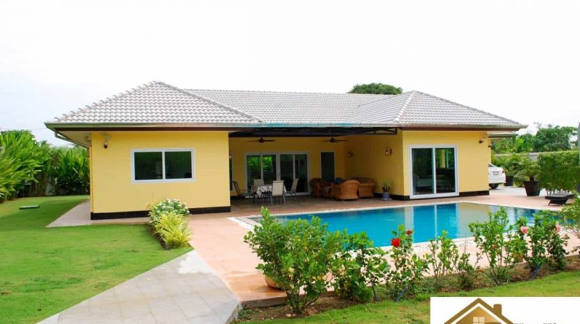 Hua Hin High Quality Private Pool Villa On A Large Plot