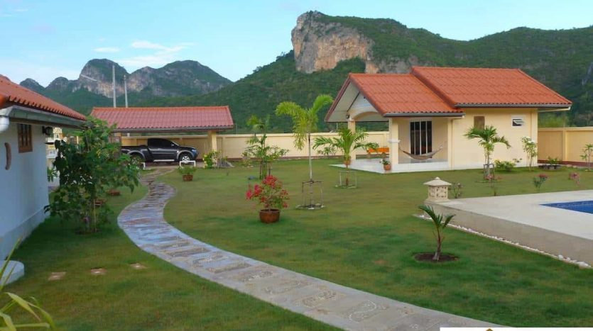 Private Pool Villa – Stunning Mountain Views Sam Roi Yot