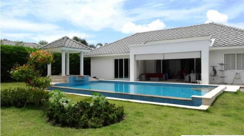 Stunning Pool Villa Near Black Mountain Golf Hua Hin