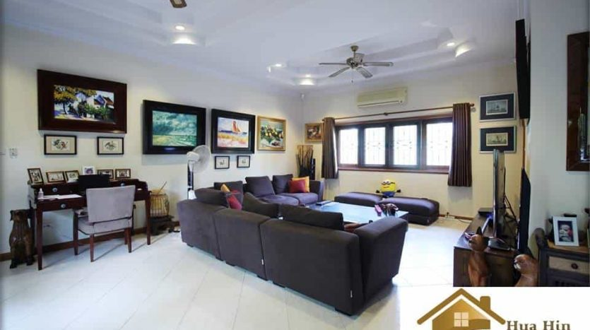 Absolutely Stunning Hua Hin Pool Villa Great Condition