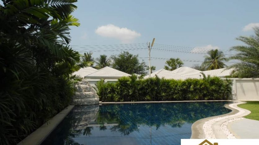 Stunning 3 Bed Hua Hin Pool Villa In A Matured Estate