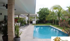 Palm Villas Hua Hin – Beautiful Resale Property Feat. Lots Of Extras
