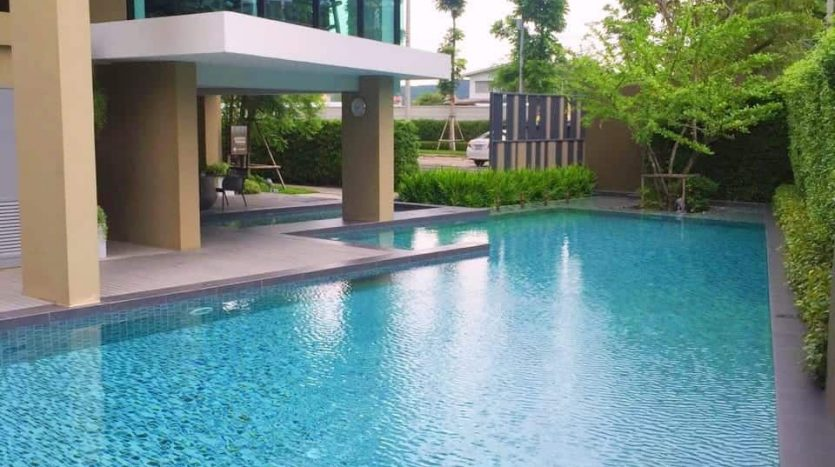 Gorgeous 2-Bed 2-Bath Condo In Hua Hin's Absolute BEST Location!