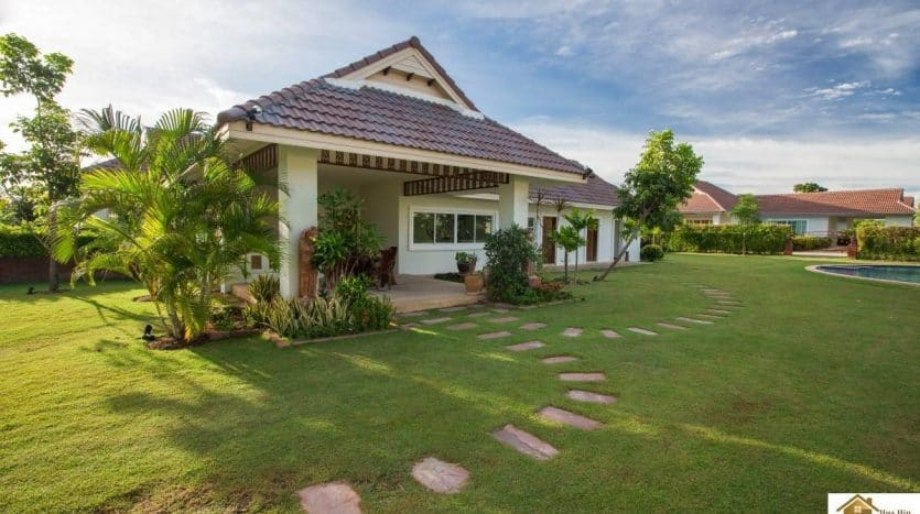 Smart House Hua Hin – Town Homes For Sale Large Communal Pool