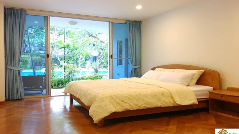 Spacious Beach Condo Unit In Hua Hin With Pool Access