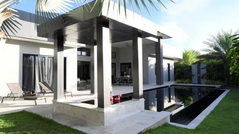 Hua Hin Luxury Villa Near Black Mountain Golf Course