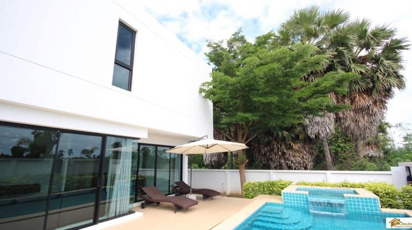 Ban Glai Talay – Luxury Pool Villas Near Pranburi Beach