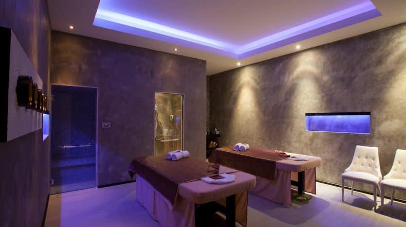 Minimalistic Design Hua Hin Villa In Baan Ing Phu For Sale